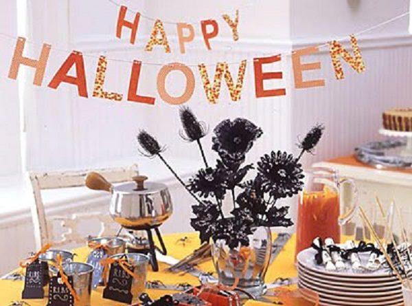 Simply Spooky Halloween Table