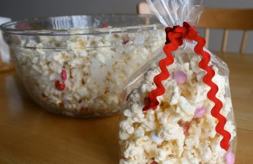 White-Chocolate-Candy-Popcorn