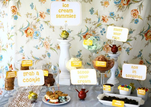 Make-Your-Own Ice Cream Sammies Bar