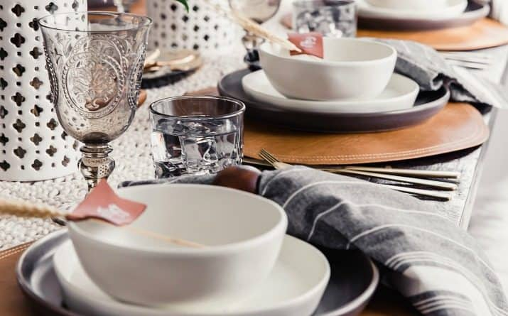 Beautiful Thanksgiving Tablescape + Easiest Dinner Plan Ever!