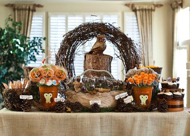 This owl themed sweets table is perfect for a Halloween party. It's not too spooky but definitely gives off the holiday vibe.