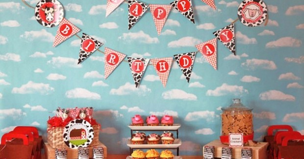 Barnyard Birthday Party {guest feature}