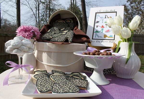 These Ideas for a Ladies Luncheon will inspire your next party with the gals. This is the perfect party to celebrate the fashionista in your life. Fashion themed dessert table.