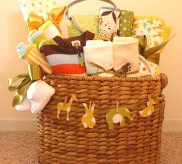 Baby-shower-gift-basket3