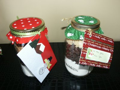 Layered Cookie Mix In A Jar {Hostess Gift}