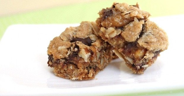 Chocolate Chip Oatmeal Cookie Bars