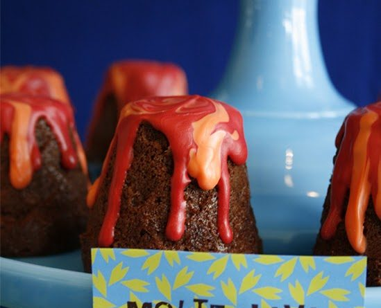 """Dinosaur Party + """"Volcano"""" Chocolate Lava Cakes Tutorial {guest feature}"""