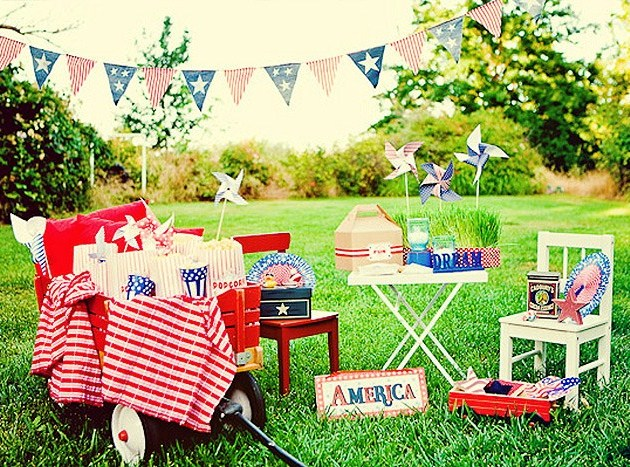 red white and blue backyard picnic