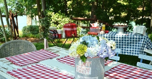 """The Great Outdoors"" Birthday Party {guest feature}"