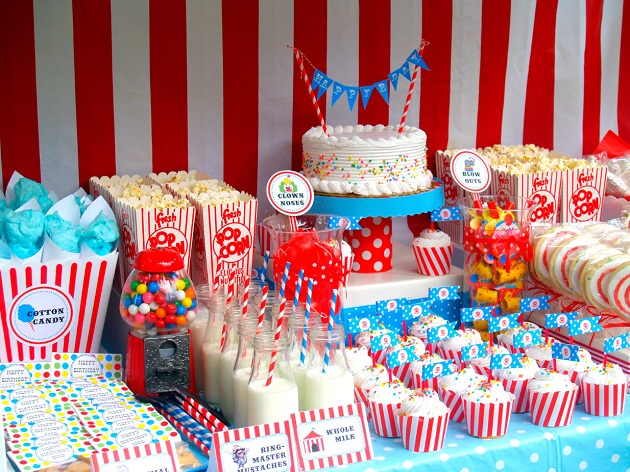 Circus themed birthday party guest feature celebrations at home - Carnival theme party supplies ...