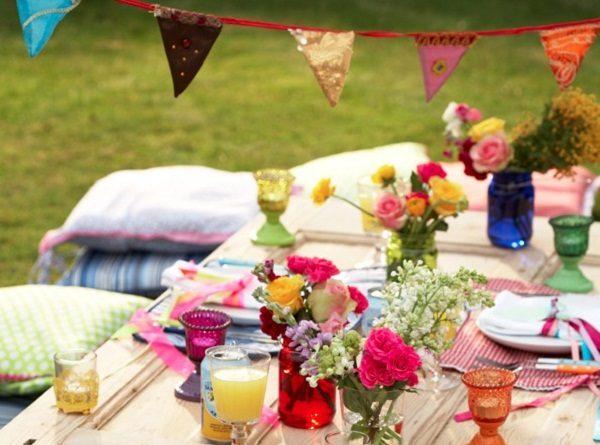 Bright Colorful Summer Tablescape