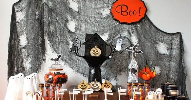 Kids Halloween Treats Table