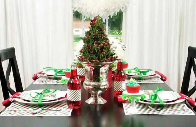 Classic christmas with a modern twist celebrations at home - Como decorar una mesa en navidad ...