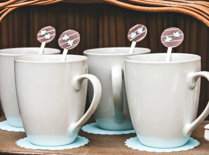 coffee mugs with diy stir sticks