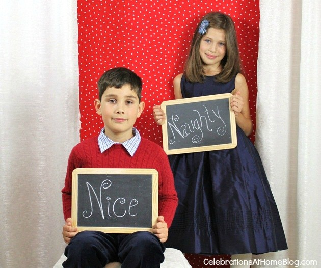 How To Create Your Own Christmas Photo Cards with chalkboard signs