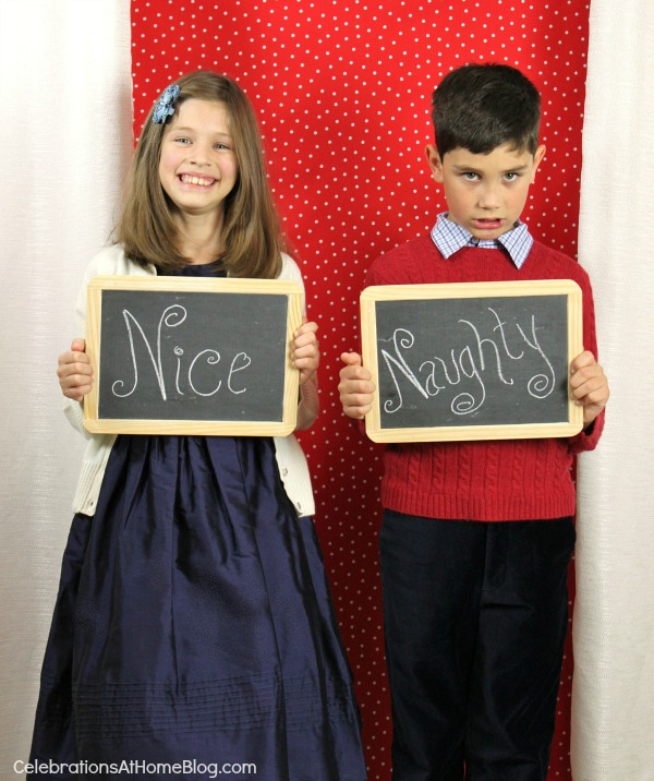 How To Create Your Own Christmas Photo Cards backdrop and signs