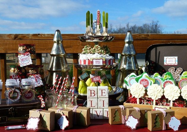 Retro Classic Christmas Treat Table {guest feature}