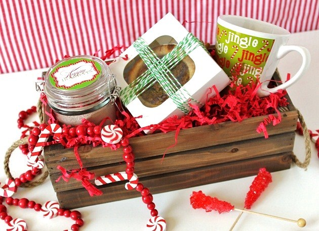 Sweet homemade christmas gifts celebrations at home for Ideas for homemade christmas gift baskets