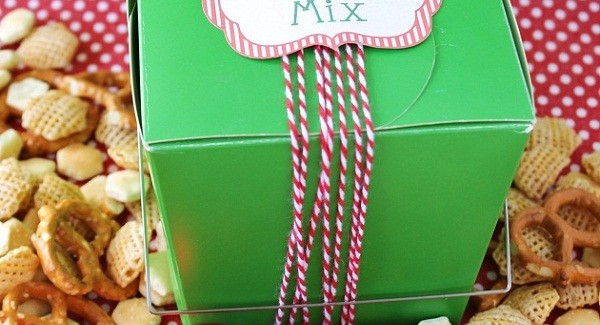 Homemade Gift Idea – Savory Snack Mix