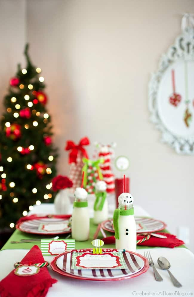 Kids Christmas table; Youu0027ll love this kids Christmas table set in classic red & Kids Christmas Table - Celebrations at Home