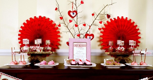 Valentine's Day Cookie Decorating Party {Guest Feature}