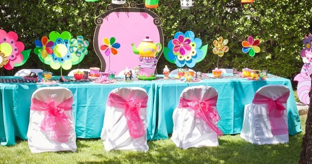 Alice In Wonderland Party {Guest Feature}