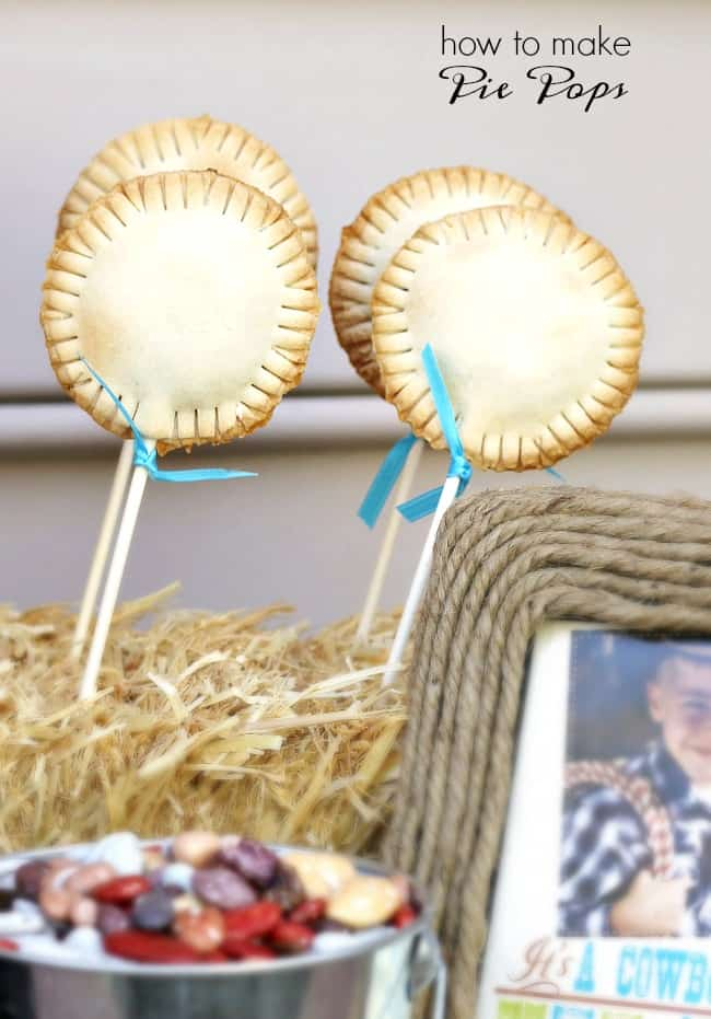 How to make pie pops at home. It's so easy to make these diy hand pies on a stick!