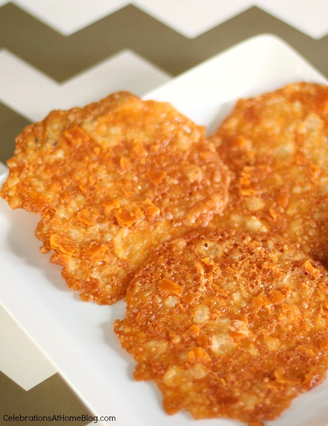 easy cheese crisps recipe - they're so addicting!