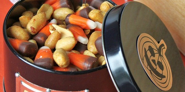 Seasonal Snack Mix – Candy Corn & Peanuts