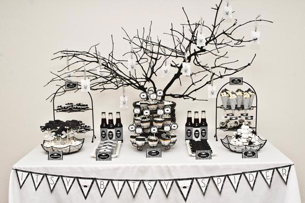 this - Black And White Halloween Decor