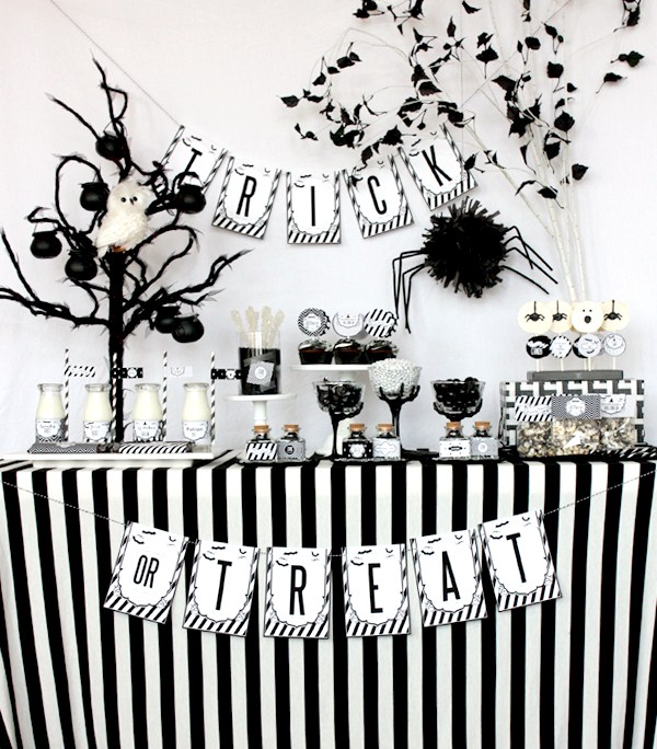 10 Black And White Halloween Decorating Ideas Celebrations At Home