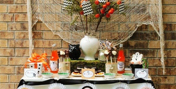 Classic-Modern Halloween party design