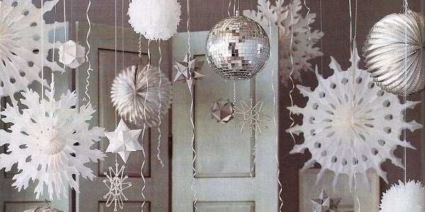 Inspired By This – Dress Up A Corner With A Holiday Buffet