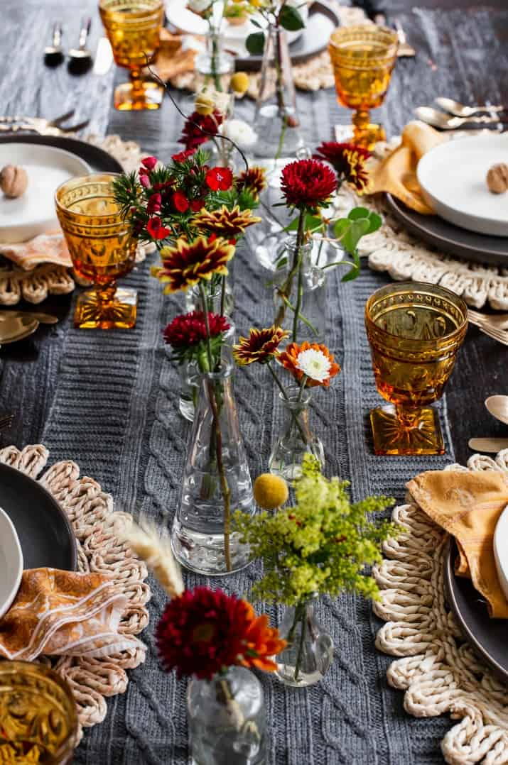 easy Thanksgiving centerpiece with bud vases
