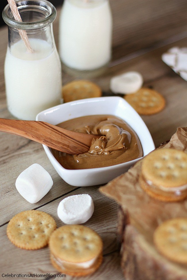 This peanut butter marshmallow cracker snack is a blast from my past. When I was a kid we made these for sleepovers. Get this easy & tasty snack here.