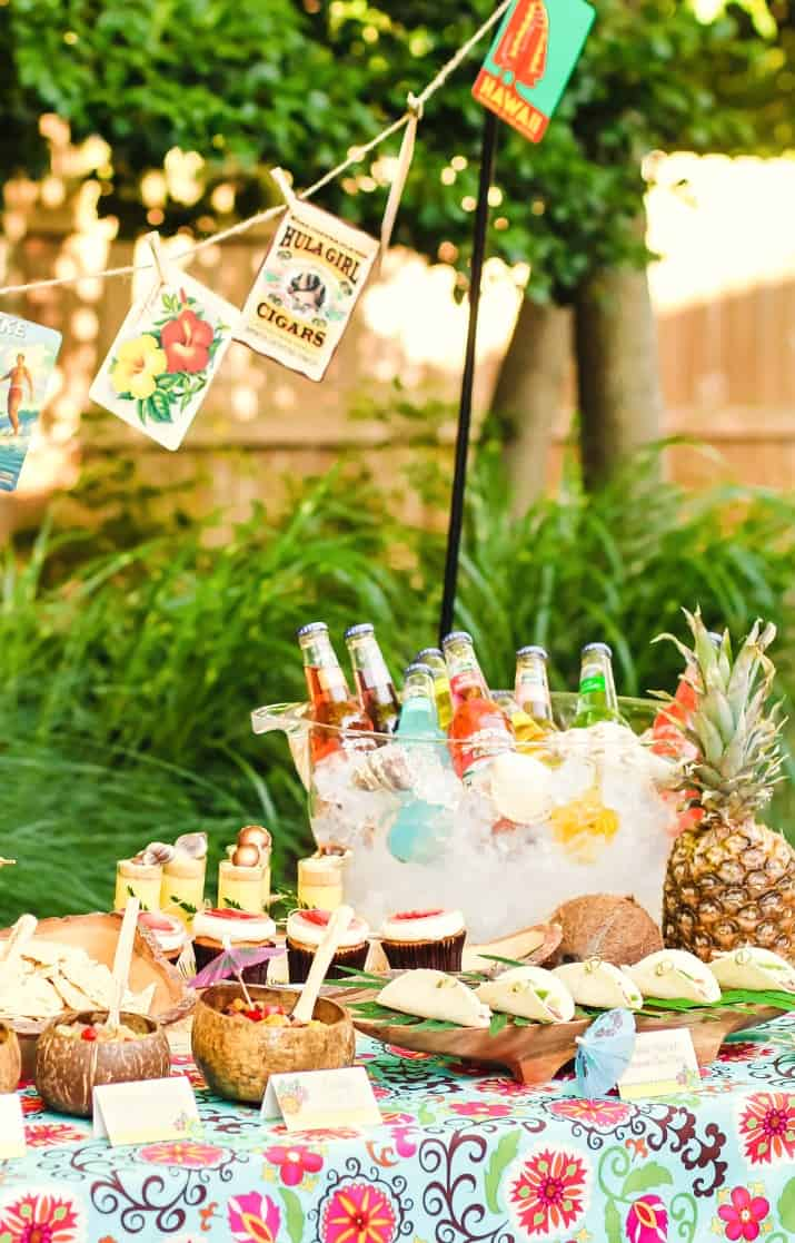 Tropical party bar