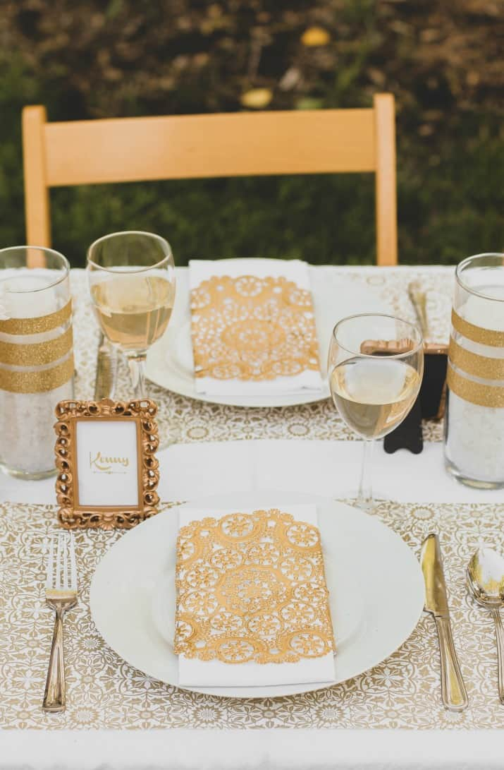 gold & white party place settings