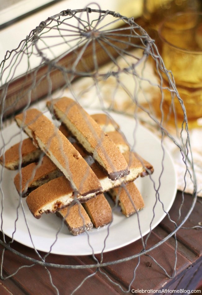 Host an Italian themed dinner party with these ideas and inspiration. - biscotti