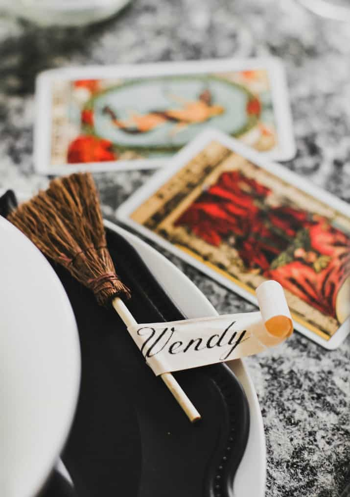 witches party place setting