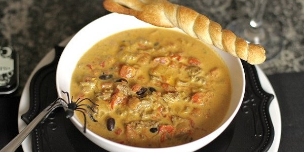 "Cheesy Chili Recipe With Bread ""Broomsticks"""