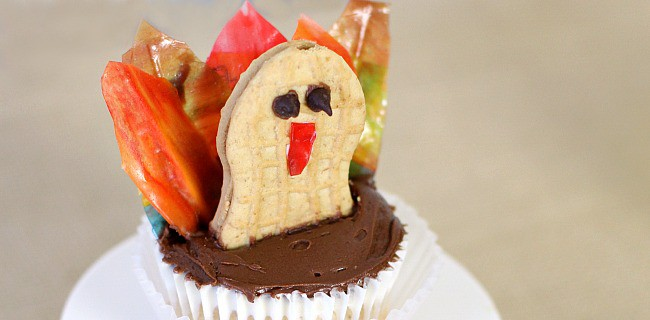 Make a Thanksgiving Turkey Cupcake for the Kids