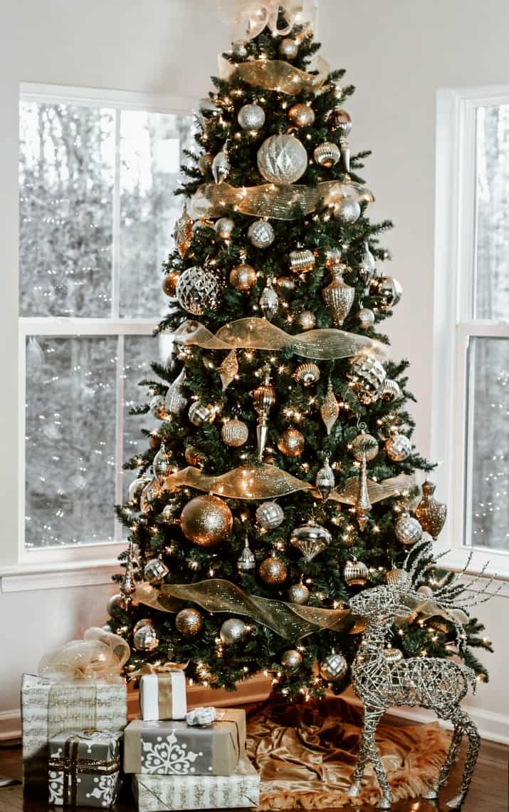 Best Tips For Decorating Your Christmas Tree Every Time Step By Step