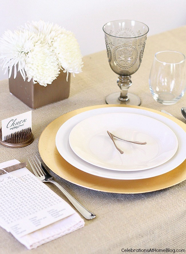 Create a simple Thanksgiving place setting with 5 elements seen here, plus a free printable word search.