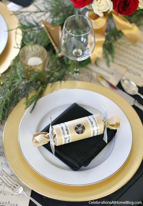 musical christmas place setting