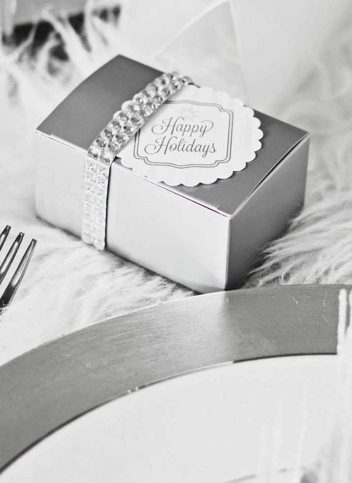 Christmas party table favors