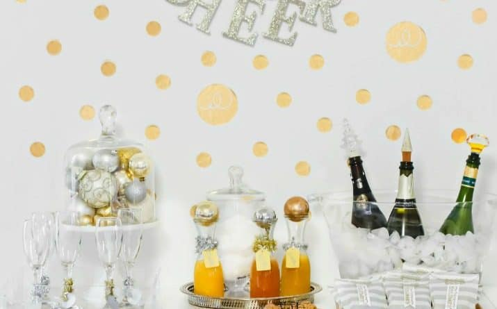 Ideas for Setting Up a Bubbly Bar for Holiday Parties