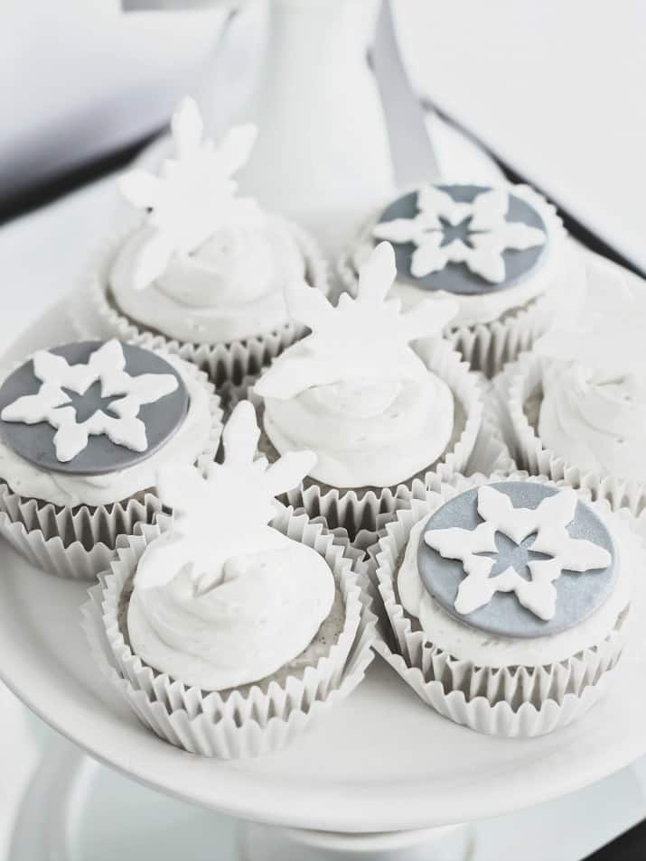 cupcakes with snowflake toppers