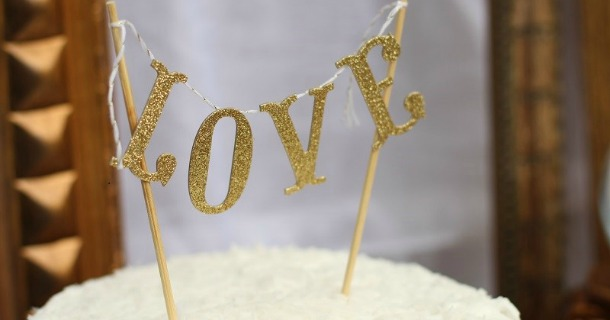 diy mini cake banner topper