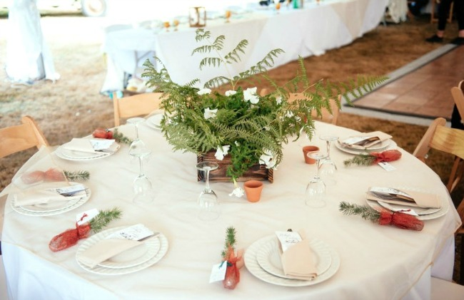 rustic chic wedding photographed by Will Pursell Photography