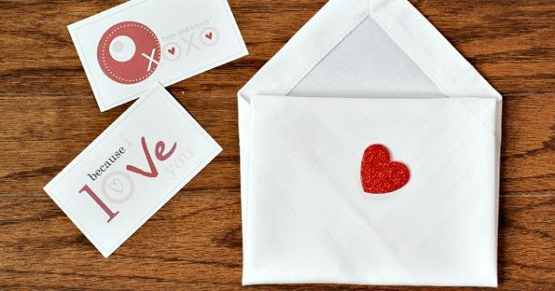 DIY Napkin Envelopes for Valentine's Day